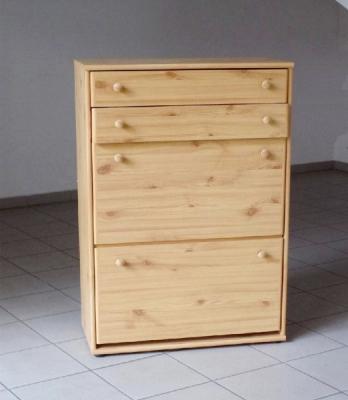 Zánovní komoda z masivního dřeva s botníkem - lze oddělat.